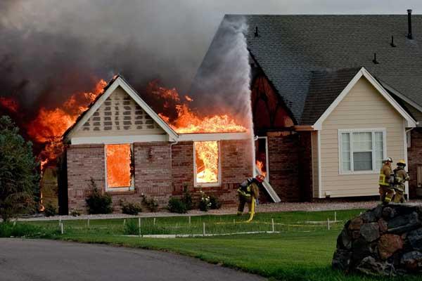 Цены на страховку дома от пожара